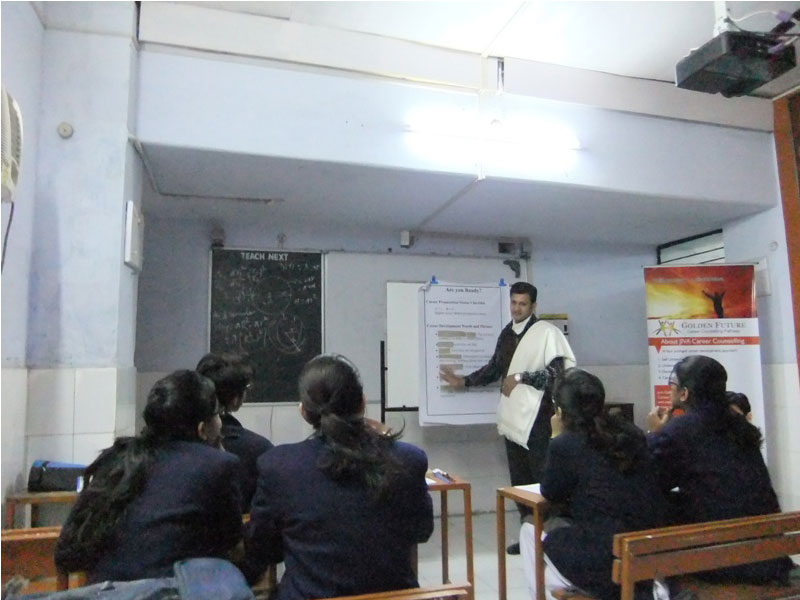 Group-Career-Counselling-at-City-Montessori-School,-Lucknow